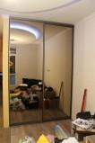 Двери купе в зеркале бронза
